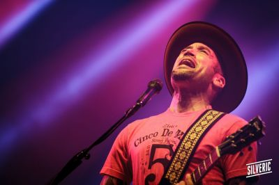 2015-07-03-eurocks-j1-ben-harper-the-innocent-criminals9