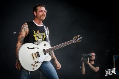 2015-07-03-eurocks-j3-eagles-of-death-metal1