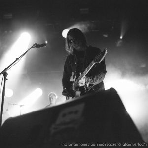 33-the-brian-jonestown-massacre-01