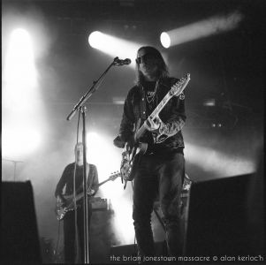 34-the-brian-jonestown-massacre-02